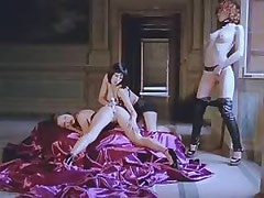 Three lezzies use dildo.Threesome lesbian porn!