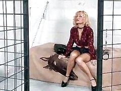 Pretty lezzie masturbates in jail.Solo Gigrl!