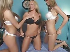 Three lezzies enjoy oral pleasureThreesome lesbian porn!
