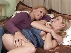 Mature and Girl Mature lesbian seduces cute babe.Busty Girls!