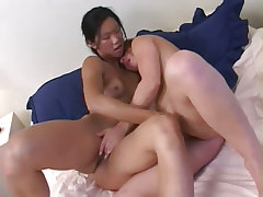 Sexy bitch devon likes making girls cum