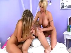 Lisa Neils Carli Banks & Brooke Haven: Lesbian Group Sex