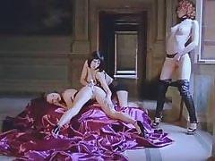 Three lezzies use dildo.Threesome lesbian porn!