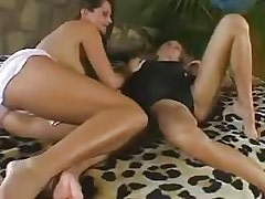 Lezzies pussy gets licked!