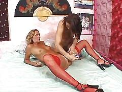 Mature lesbian dildofucks sexy milf.Lesbian Toys sex!