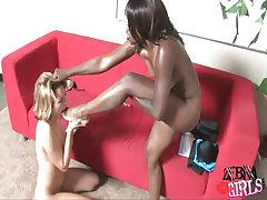 Pretty girls in interracial lesbo sex adventure relax in bath